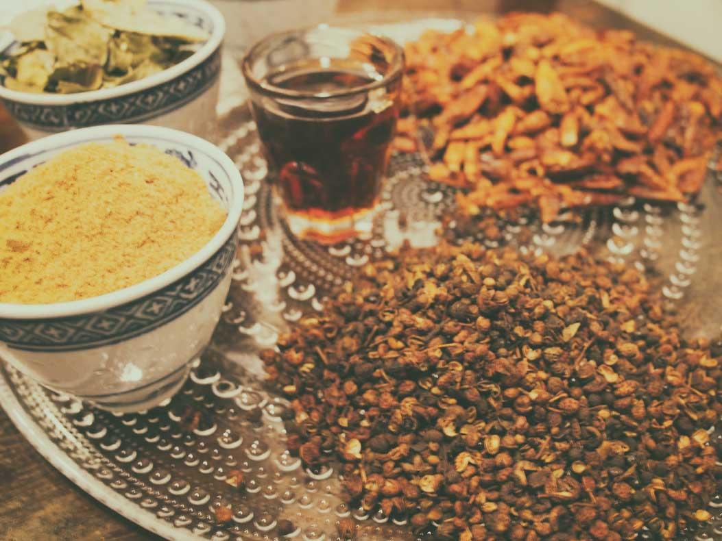 Kiinalaisen chiliöljyn raaka-aineet.